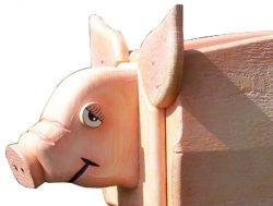 Pinehill Woodcraft Pig Close Up