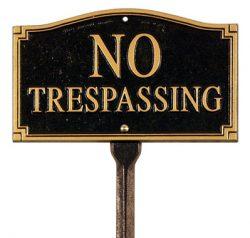 Whitehall No Tresspassing Plaque Lawn Kit