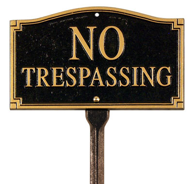 Whitehall No Tresspassing Plaque Lawn Kit